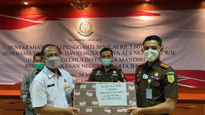 6 Miliar Hasil Penjualan Aset Terpidana Korupsi Ng Tjuen Wie Diserahkan menuju Kas Negara Uang Rp 3
