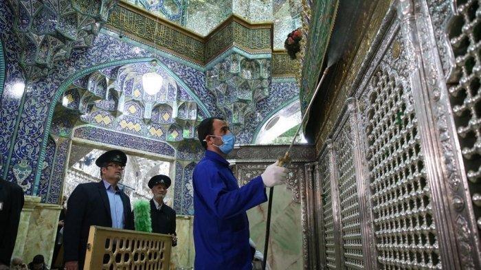 Seorang Tokoh Agama Iran Mengklaim Vaksin Covid-19 Menyebabkan Orang Berubah Jadi Homoseksual